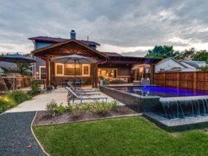 Tropical Villa with Garden